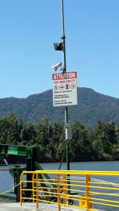 8 minutes to cross the Daintree river by ferry